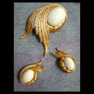 Gorgeous Elegant Jomaz Milkglass Vintage Brooch and Earrings
