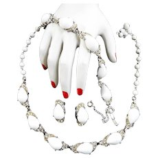 Spectacular Schiaparelli 1940s Milk Glass Huge Stones Parure Necklace Bracelet Earrings