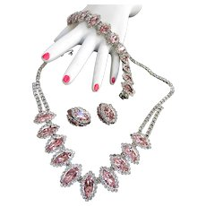 Exquisite Pink Weiss Vintage Necklace Bracelet Earrings