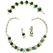 Return to Elegance Gorgeous Emerald Green Designer Parure