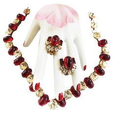 Spectacular Ruby Red Cabochon 1940s Necklace