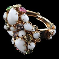 Fabulous Milkglass Clamper Vintage Bracelet