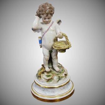 Antique Meissen Figurine  Angel Cherub Cupid  With A  Basket L-Series L118 Mint