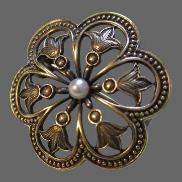 Flower Pin 14k Hallmarked Fleur de Lis Design in Petals