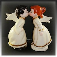 Plastic Musical Kissing Angels with Violin and Concertina Instruments