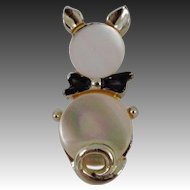 Charming 1950's Mother of Pearl Black Tie Cat Pin Gold Tone
