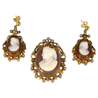 Cameo of a Woman Pin/Pendant and Earring Set in 14k gold
