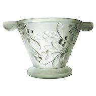 Beautifull pressed glass Art Deco bowl by Etling