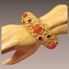 Vintage Castlecliff Hinged Decorative Bracelet