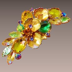 Large Dimensional Glittering Brooch
