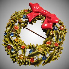Vintage Signed ART Holiday Wreath Brooch