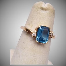 14kt Gold and Blue Topaz Ring Size 4-1/2