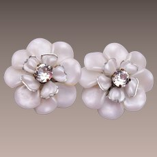 Light Weight White Lucite Flower Earrings