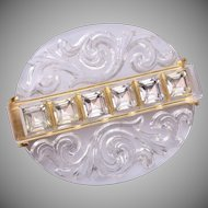 Beautiful Reverse Carved Crystal Brooch With Rhinestones