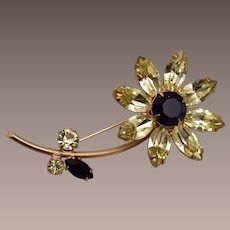 Regency Daisy Flower Brooch
