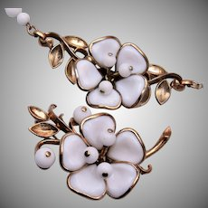 Trifari Pre 1955 Poured Glass Dogwood Flower Necklace and Brooch Set