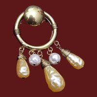 Round Metal Brooch with 5 Faux Pearl Dangles