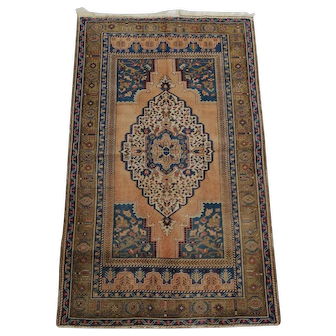 Free Shipping: 1940s Yahyali carpet 3.6 X 5.9 ft