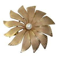Vintage 12 KT Gold Filled Pearl Flower Brooch