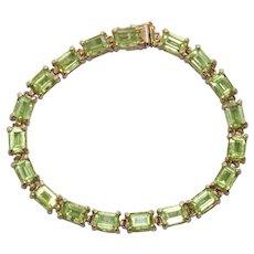 14K Yellow Gold 19.0 CT Emerald Cut Peridot Bracelet