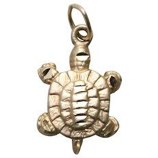 Vintage 14KT Yellow Gold Diamond Cut Turtle Charm