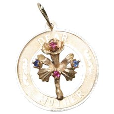 Vintage 14KT Yellow Gold Dear Mother Floral Florentine Medallion Pendant