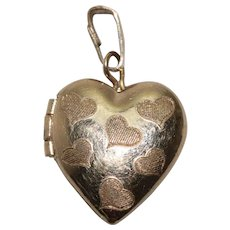 14 KT Gold Filled Hearts Locket
