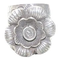 Vintage Sterling Silver Flower Scale Ring