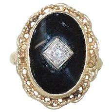 Vintage 14 KT Yellow Gold Black Onyx 0.10 CT Diamond Ring