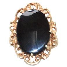 Vintage 14 KT Yellow Gold Black Onyx Filigree Ring
