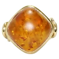 Vintage 18K Yellow Gold Amber Ring