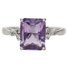 10 KT Gold Ring With Diamonds and 4.0 CT Amethyst