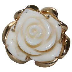 14 KT Yellow Gold White Coral Flower Ring