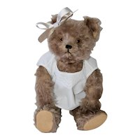 "17"" Yes-No Musical Schuco Bear, Rosey Taupe Mohair"