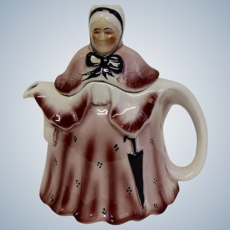 Vintage Little Old Lady Tony Wood Staffordshire England Teapot