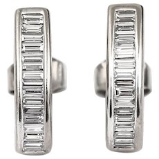 Modern 1.60 Carat Diamond Baguette Earrings in 18 Karat White Gold, G-H Colour, VS1-VS2