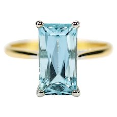 2.91 Carat Aquamarine Solitaire 18 Karat Yellow Gold Dress Ring
