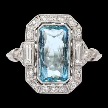 Art Deco 3.40 Carat Aquamarine and Diamond Platinum Dress Cocktail Ring, 1920s