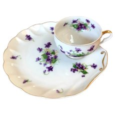 Vintage Saji Fine China Tennis Snack Tea Set Violets with Gold Trim