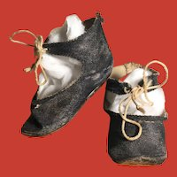 Antique Doll Shoes ~ Black Cloth w/ Original Ties~ so cute turned up