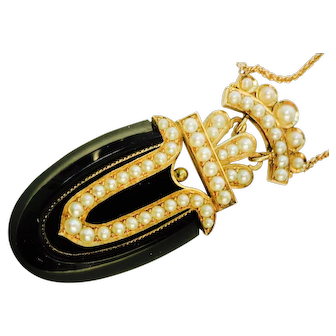 Stunning Art Deco Onyx & Pearl Pendant