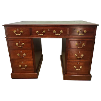 British Leather topped kneehold desk c. 1840