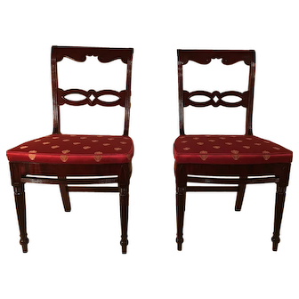 Pair of Philadelphia carved classical mahogany chairs c.1820 from the school of Joseph Berry
