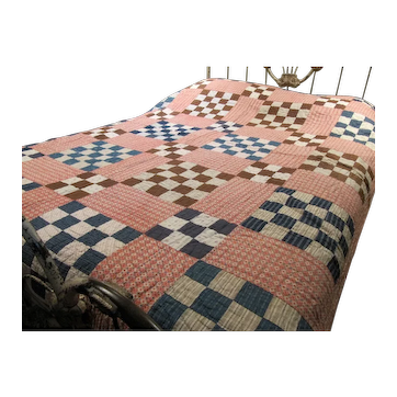 Vintage Hand Stitched 9 Patch Pattern Quilt