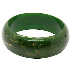 Bakelite Bangle Bracelet in Marbled Green & Yellow