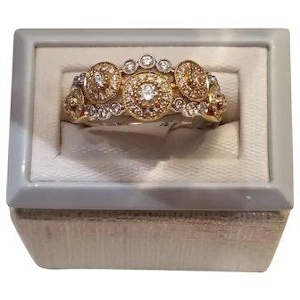 18kt Concentric Circles Diamond Ring