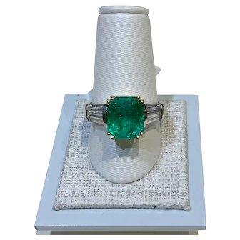 Exquisite Platinum, Emerald, Diamond RIng