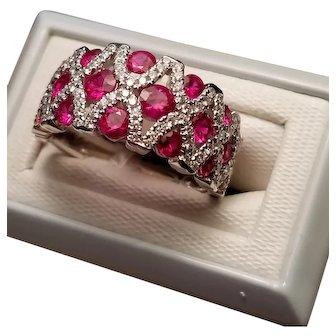 Outstanding 18kt white gold Ruby & Diamond Ring