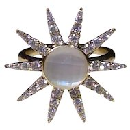 Sun with radiating starburst 18kt diamond ring