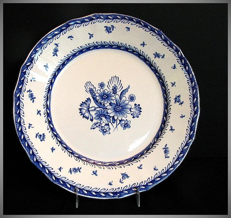 Arabia Of Finland Dinner Plate Blue White Finn Flower Pattern